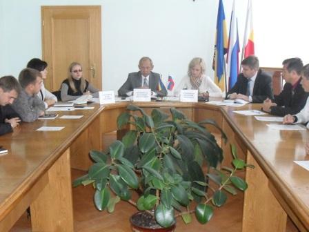 Круглый стол на тему «Участие молодежи в подготовке выборов депутатов ГД РФ
