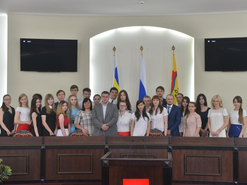 Молодые парламентарии встретились с Мэром