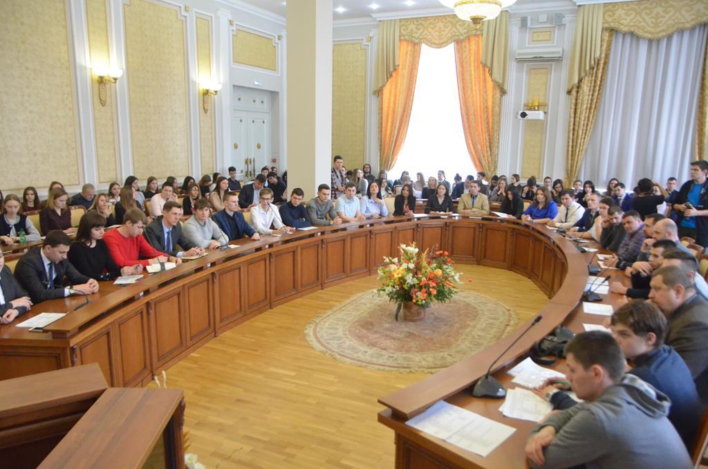 Депутаты молодёжного парламента приняли участие в обучающем семинаре