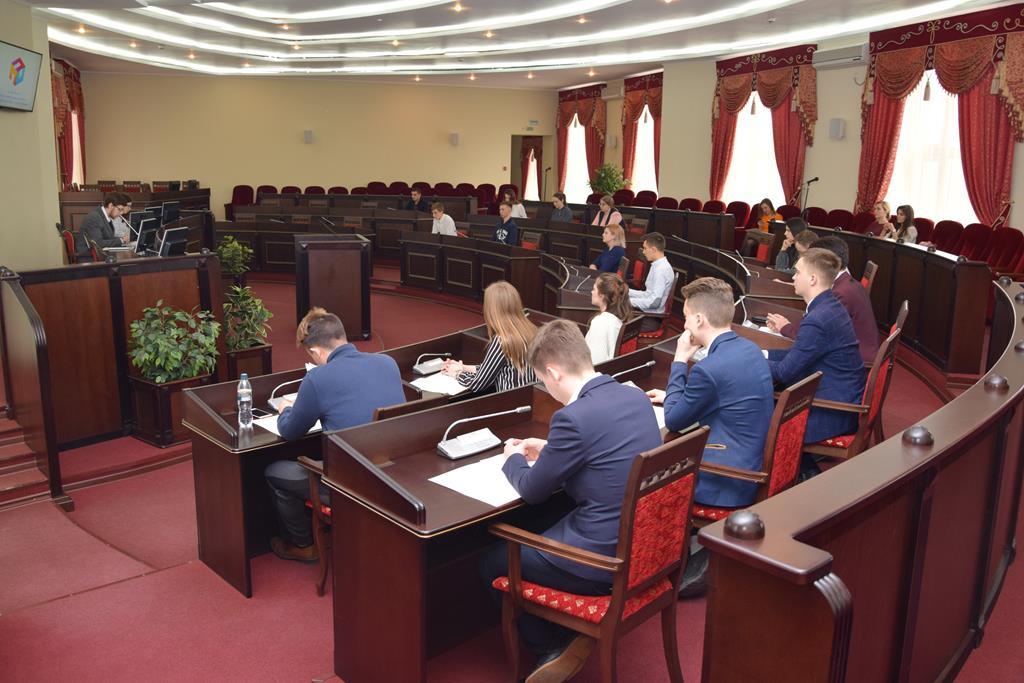 Состоялось шестое заседание Молодёжного парламента