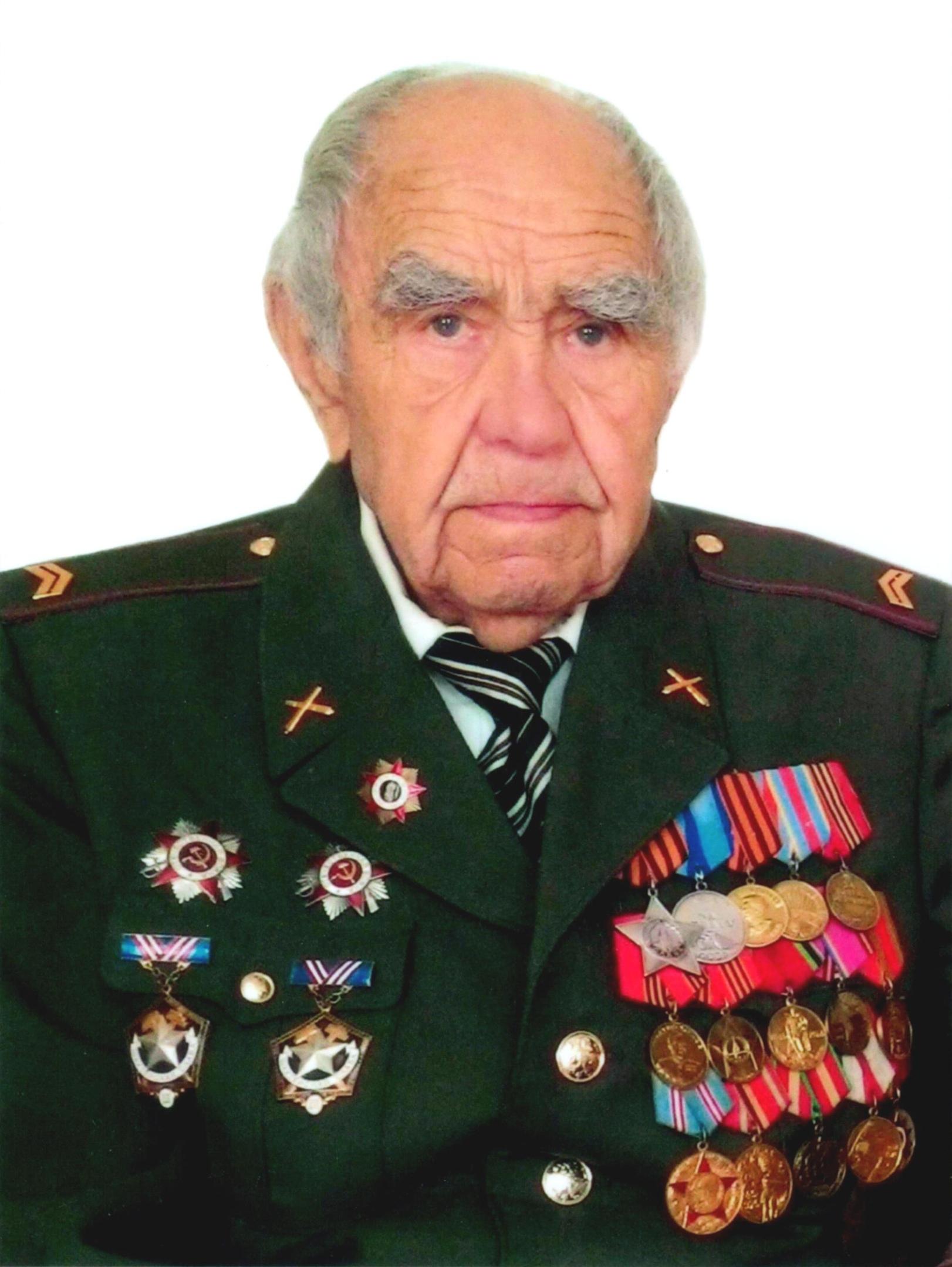 Долгополов Станислав Нестерович — ветеран Великой Отечественной войны, проживающий в городе Шахты.