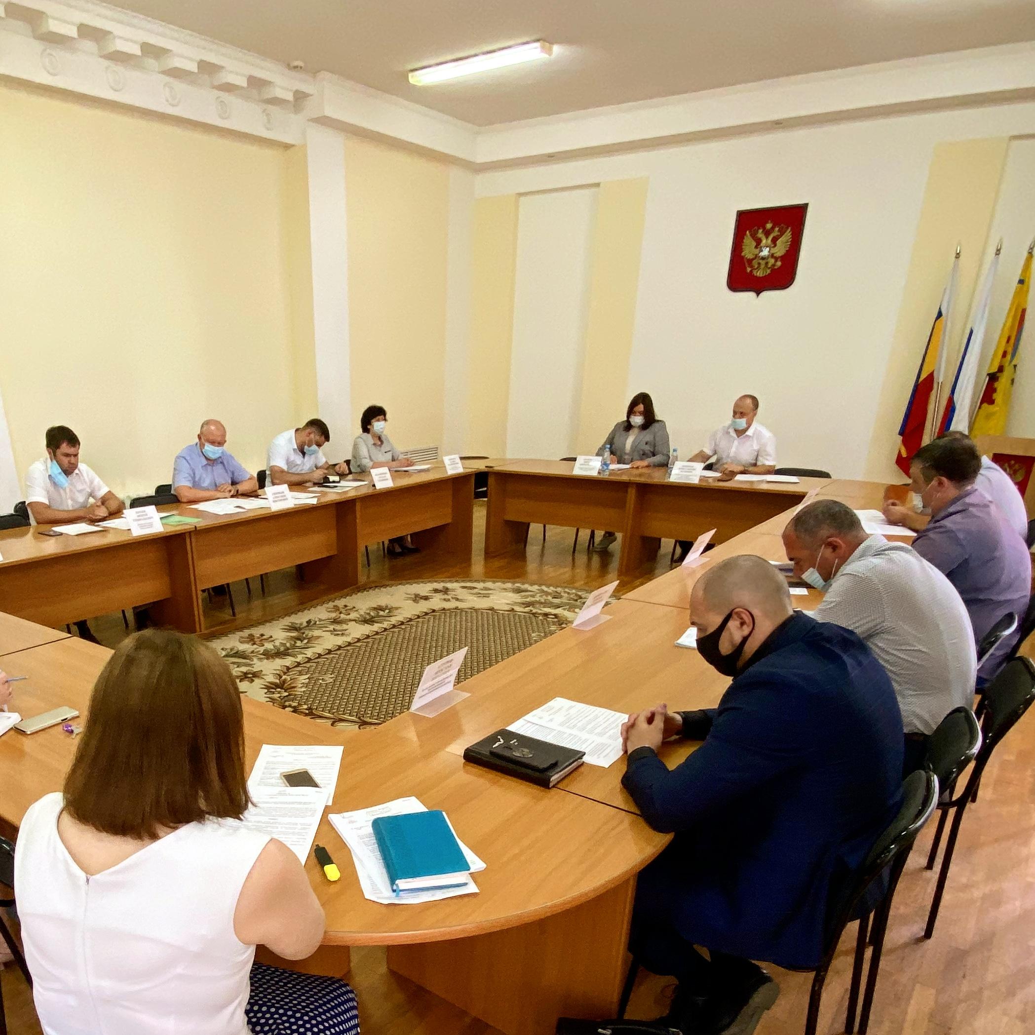 Принято решение о назначении именных стипендий городской Думы