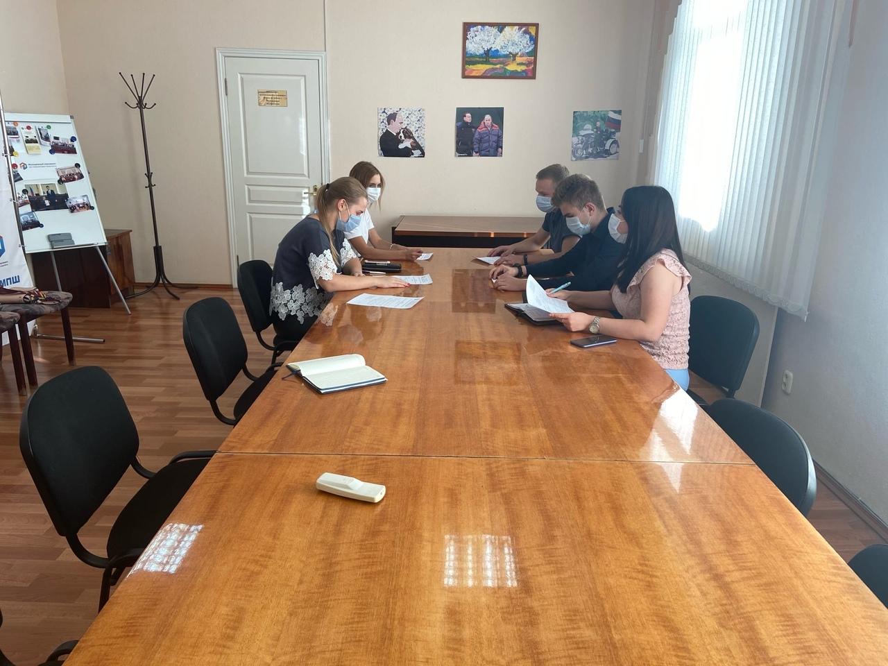 Сегодня прошло первое заседание комитета по защите прав молодёжи и нормотворческой деятельности