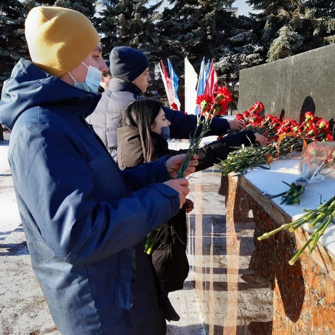 Молодежный парламент принял участие в акции «Защитим память героев»